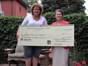 Pictured above (L to R): Ellen Gerow, President of Paris Optimist Club; Gisèle Budgell, Program Director of Brant Food For Thought